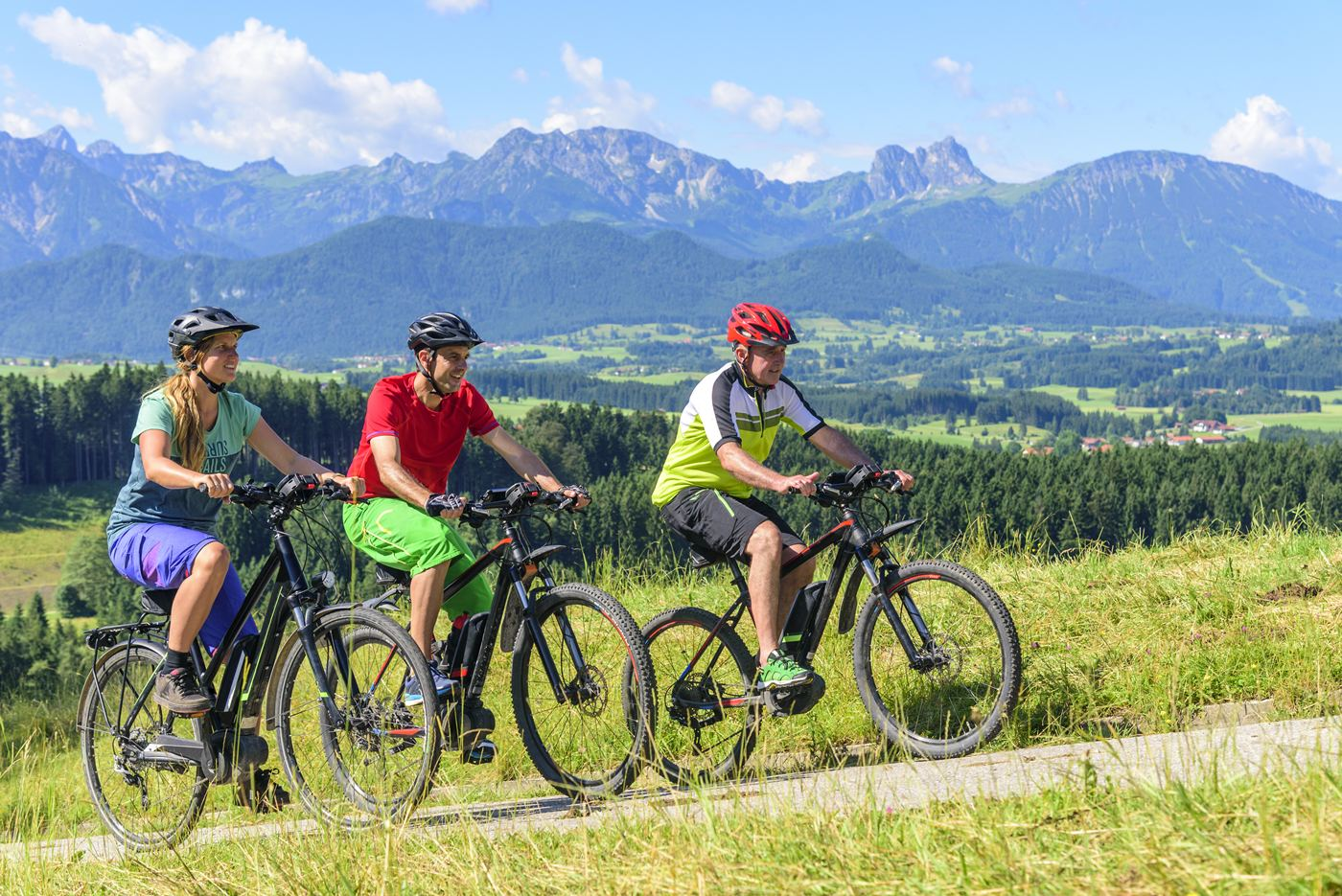E-bike: everything you need to know about pedal assist bicycles
