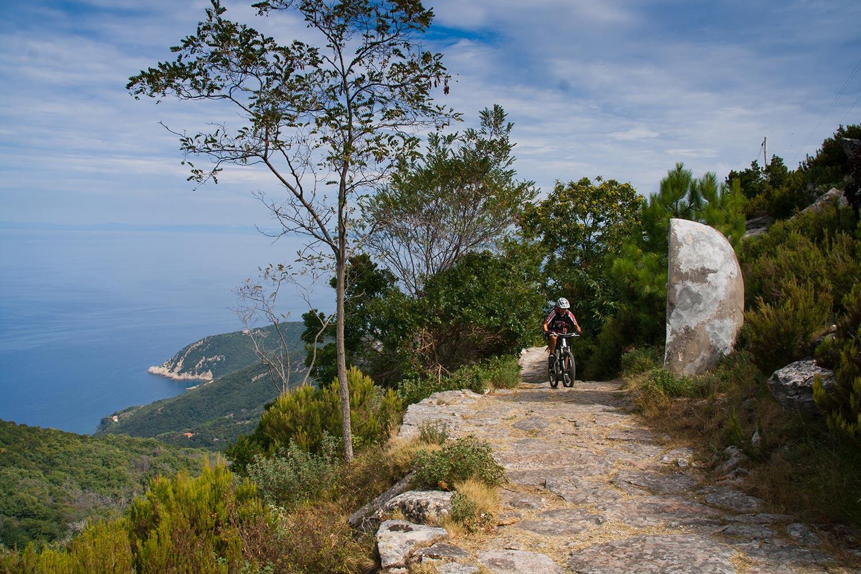 4 percorsi in mountain bike sull'Isola d'Elba