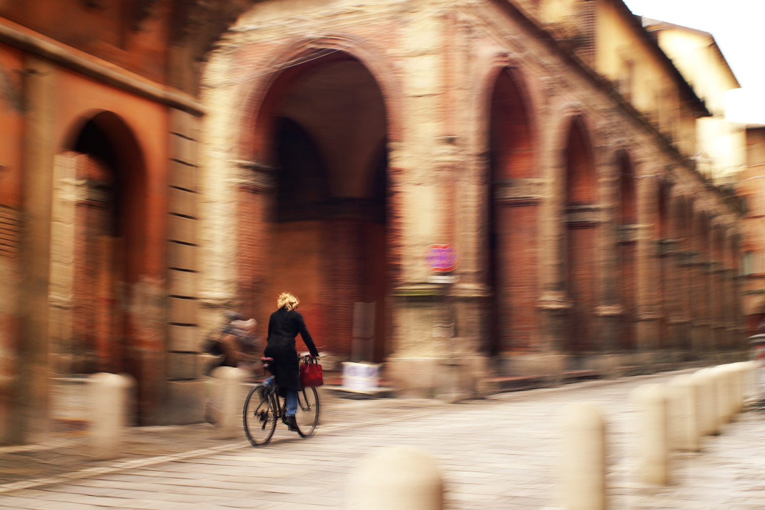 Cycling in Bologna: guide to the bike paths in town